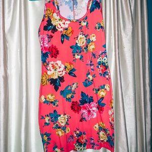 Dresses & Skirts - Floral mini dress💕